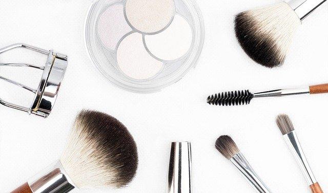 pędzle do makijażu dla początkujących